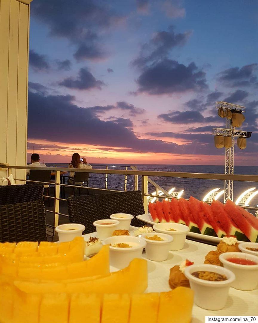 What a delicious sunset ig_respect ig_lebanon ptk_lebanon ... (Ain-mreisse, Beirut)