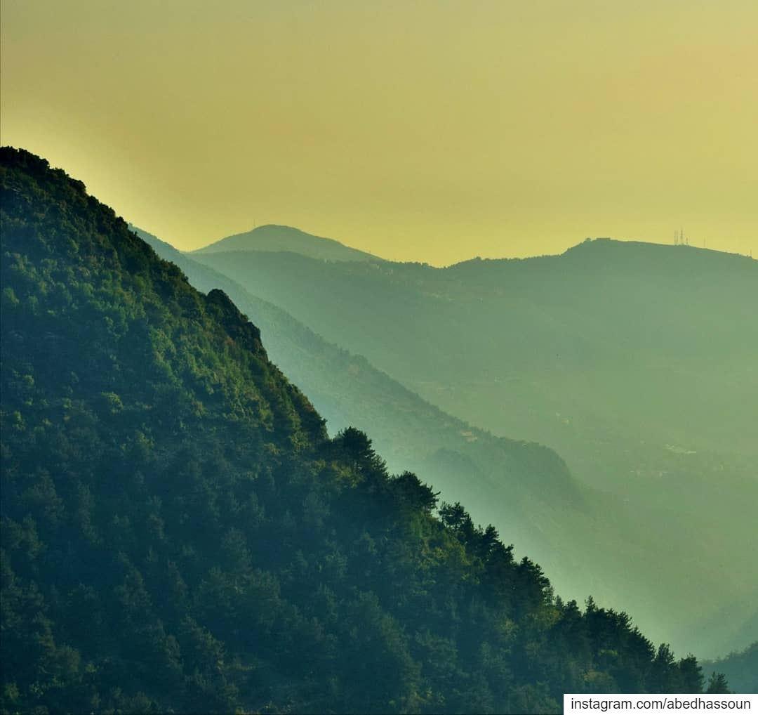 Good night igers (Swipe 👉🏻)......................... (Adonis Valley)