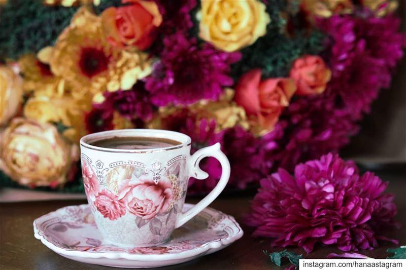 من لا يراك ربيعه لا تقطف له ورود عمرك .....روقان_تايم تصوير عدستي قهوتي