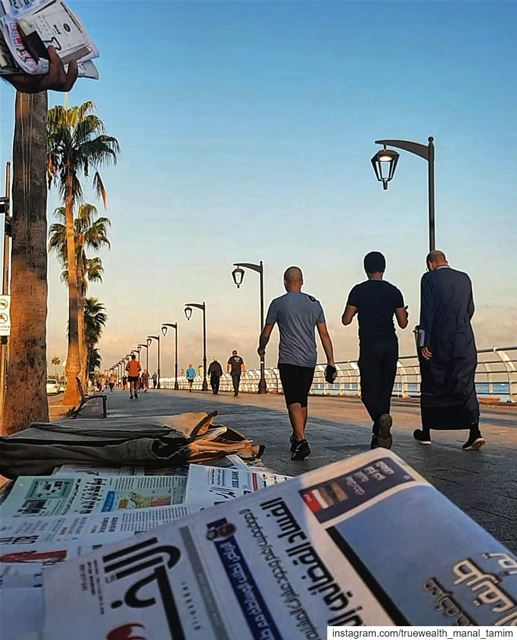 It's either gambling or reading the same daily news..📍Nothing new in the... (Corniche Ain Mreisse)