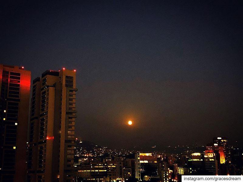 FullMoon over Beirut 🌝🌖🌗🌘🌚🌒🌓🌔..... City Cityscape Moon ... (Beirut, Lebanon)