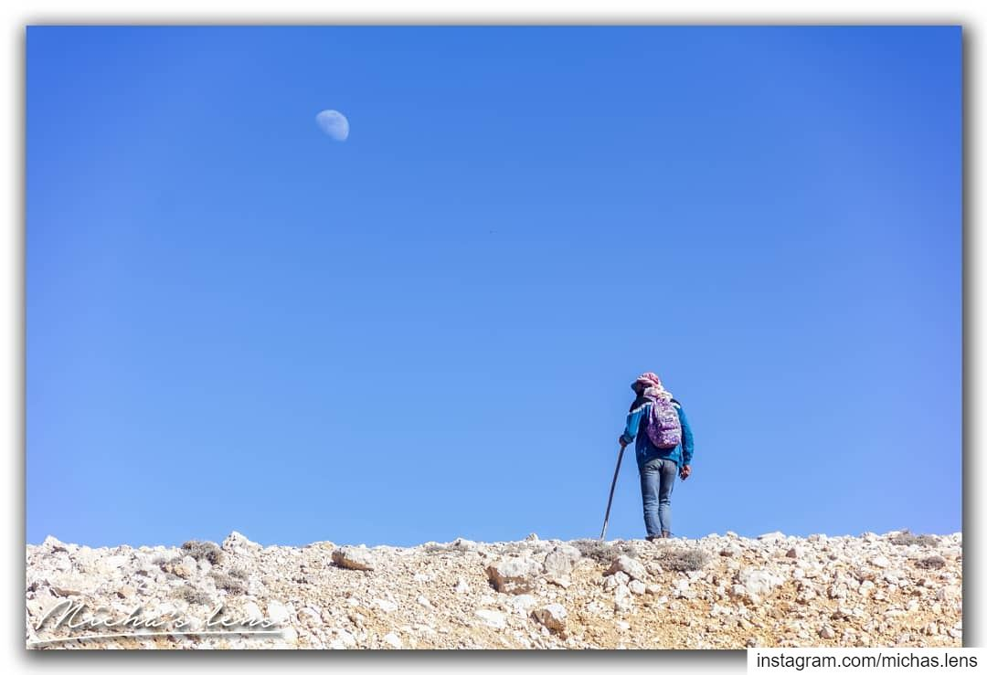 Follow the moon.. find ur way... bestofleb superlebanon bestoflebanon ...