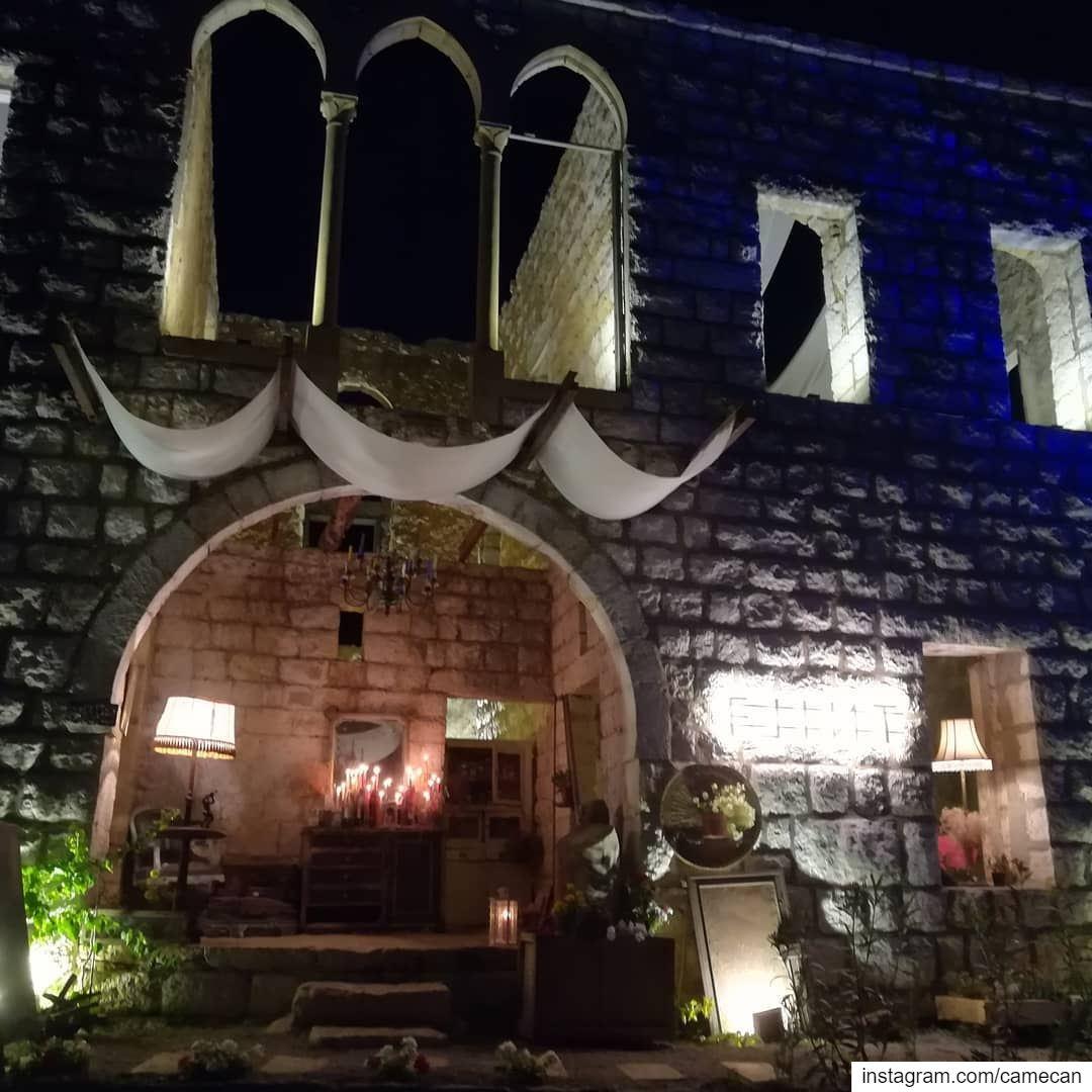 @flint_lebanon lebanon outdoor restaurant whatsuplebanon ...