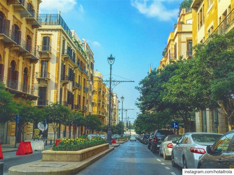 On a calm Sunday .. livelovebeirut  savelebanon  antipollution 💥 (Downtown Beirut)