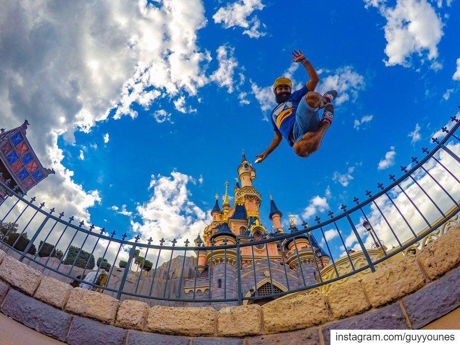 Around the globe in 10 jumps 1000postDisneyland Paris: 3 Sept 2015New... (Somewhere on the Earth)