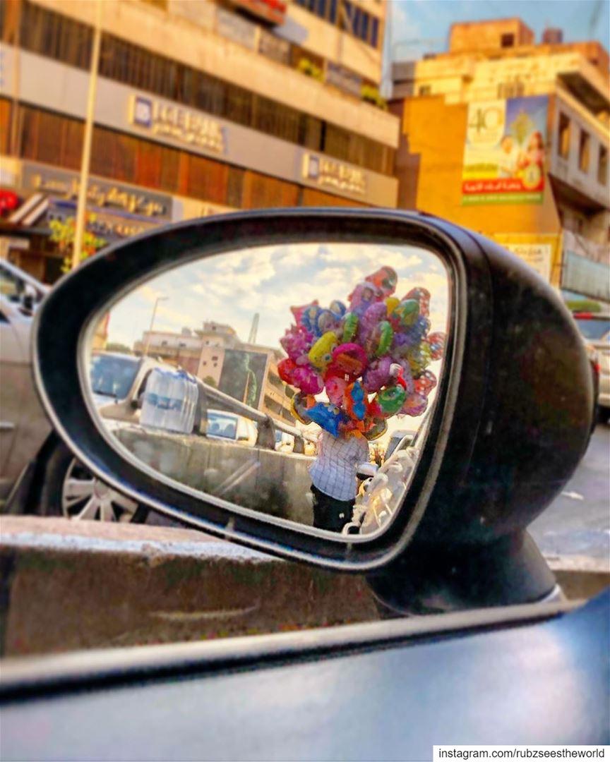 Beirut, Lebanon: Mr. Balloon Man 🎈 rubzaroundlebanon rubzseestheworld... (Beirut, Lebanon)