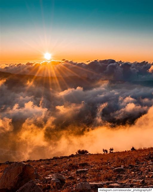 Good morning from Above the clouds ☁️🌄 - The golden hour at The mountains... (Jezzîne, Al Janub, Lebanon)