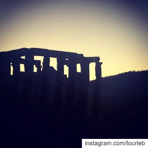Sunset on a beautiful remote roman temple... tourleb  tourlebanon ... (Al Manara, West Bekaa)