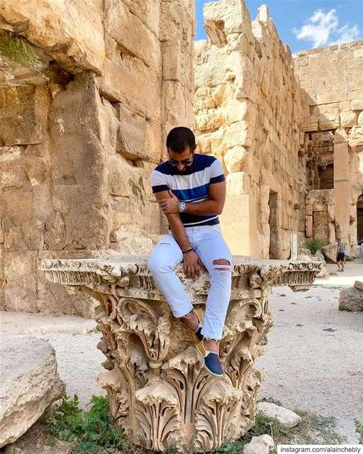 بتروح كتير ... بتغيب كتيروبترجع عدراج بعلبك ...... (Baalbek , Roman Temple , Lebanon)