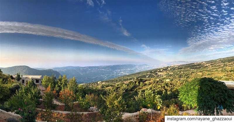 ᴵᶠ ᴺᴼᵀ ᴴᴱᴿᴱ .. ᵀᴴᴱᴺ ᵂᴴᴱᴿᴱ ?... natureoftheplanet1 proudlylebanese ... (Kafr Bibnin, Liban-Nord, Lebanon)