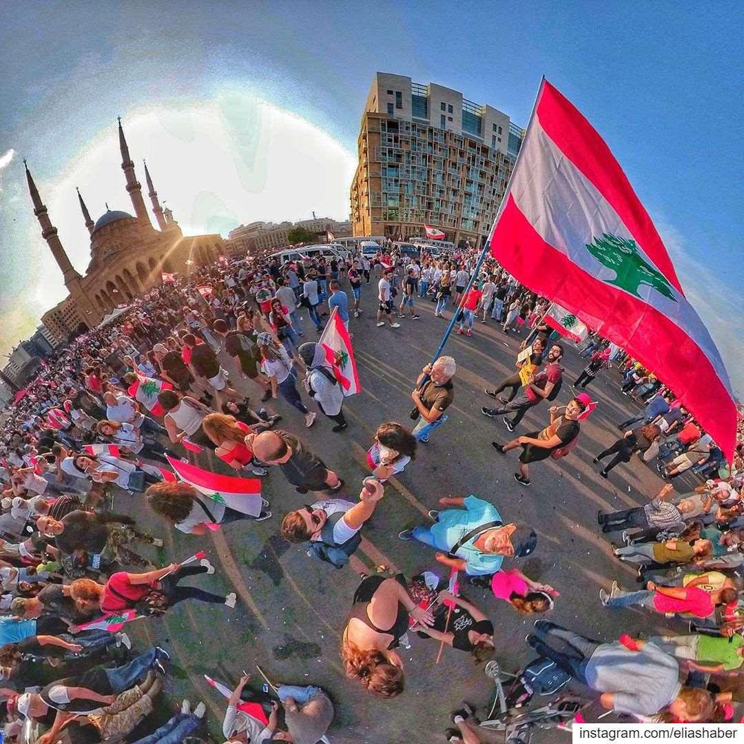 كلنا_للوطن 🇱🇧 كلنا_للعلم (Martyrs' Square, Beirut)