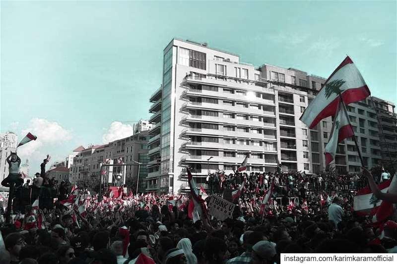 لبنان ينتفض lebanon lebanon🇱🇧 lebanese لبنان لبنان_بيروت لبنان_ينتف (Martyrs' Square, Beirut)