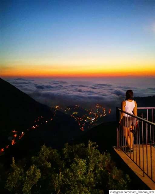 كل ما غابت شمس بتزيدي حلا... كل ما همستي همس بصليلك صلا... 🌥️ Sunset ... (Chahtoûl, Mont-Liban, Lebanon)