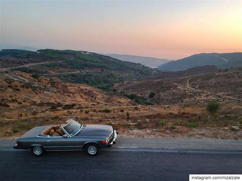 A convertible weekend is loading... 39YearsYoung DriveTastefully ... (`Ayshiyah, Al Janub, Lebanon)