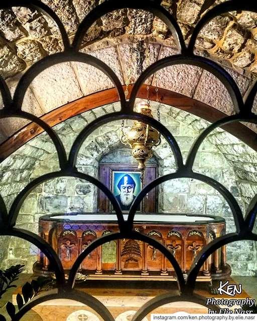 يا شربل احمينا saintcharbel protect lebanon🇱🇧 aanaya ... (Anaya St Carbel)