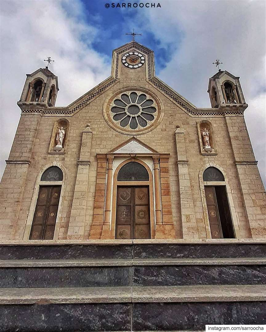 Have a blessed Sunday and give thanks for all the blessings you have 🙏... (Bkâssîne, Al Janub, Lebanon)