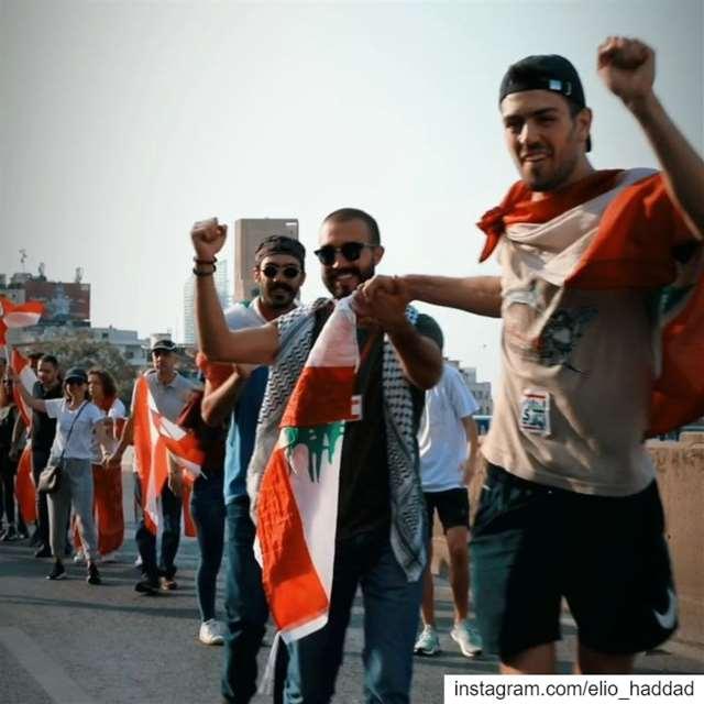 🤝🇱🇧 ثورة لبنان_ينتفض لبنان_يثور ثورة_لبنان لبنان بيروت لبنان... (Beirut, Lebanon)
