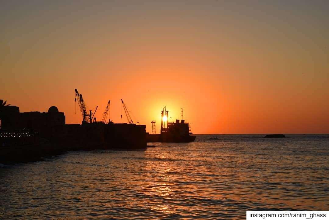ᶠᵒʳ ᵗʰᵒˢᵉ ʷʰᵒ ᵈᵃʳᵉ ᵗᵒ ᵈʳᵉᵃᵐ •••........ lebanonshots ... (Sidon Sea Castle)