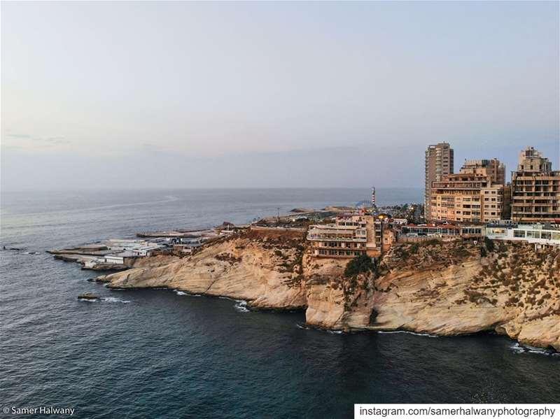 رأس بيروت دائماً مرفوع بيروت لبنان لبنان_ينتفض بيروت_مدينتي الوطن ...