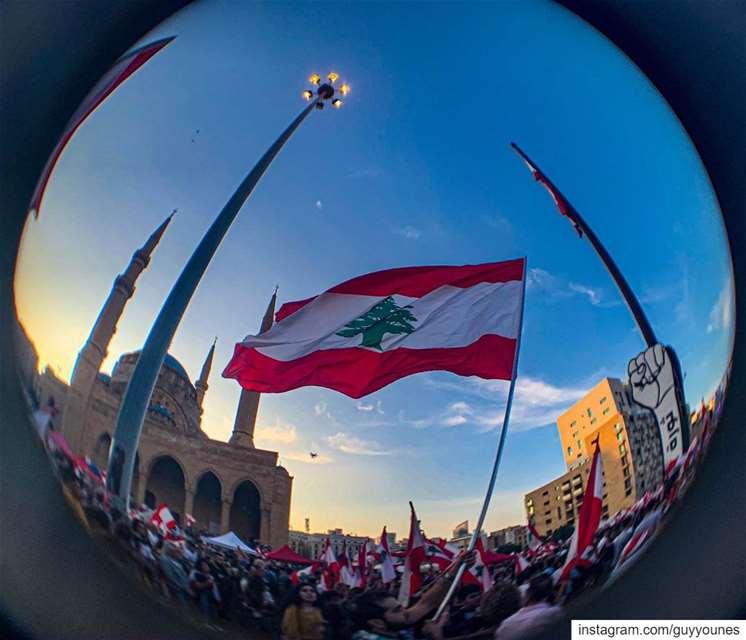 أذا شي لبنان هو بيّ الكلّ.. لبنان_ينتفض ثورة day18 lebanon protest ... (Martyrs' Square, Beirut)