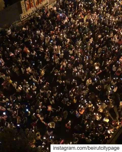 ثورة_لبنان إضاءة الشموع وقرع الطناجر وسط بيروت beirut Jounieh Byblos ...