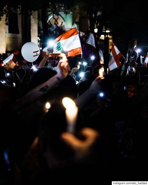 ✊ 🇱🇧 TheRevolution ثورة لبنان_ينتفض لبنان_يثور ثورة_لبنان لبنا