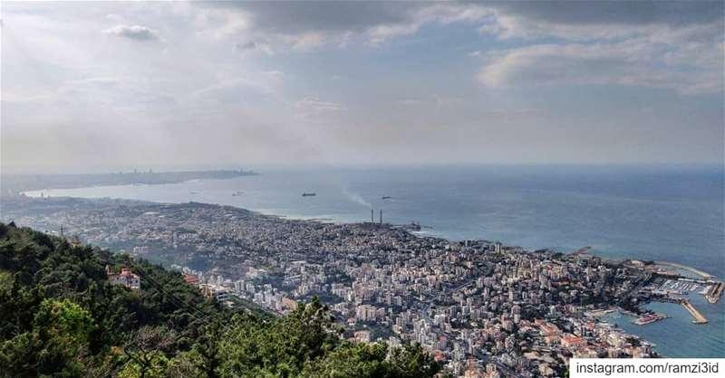 livelovebeirut livelovelebanon lebanonbylocal godblesslebanon ... (Lebanon)