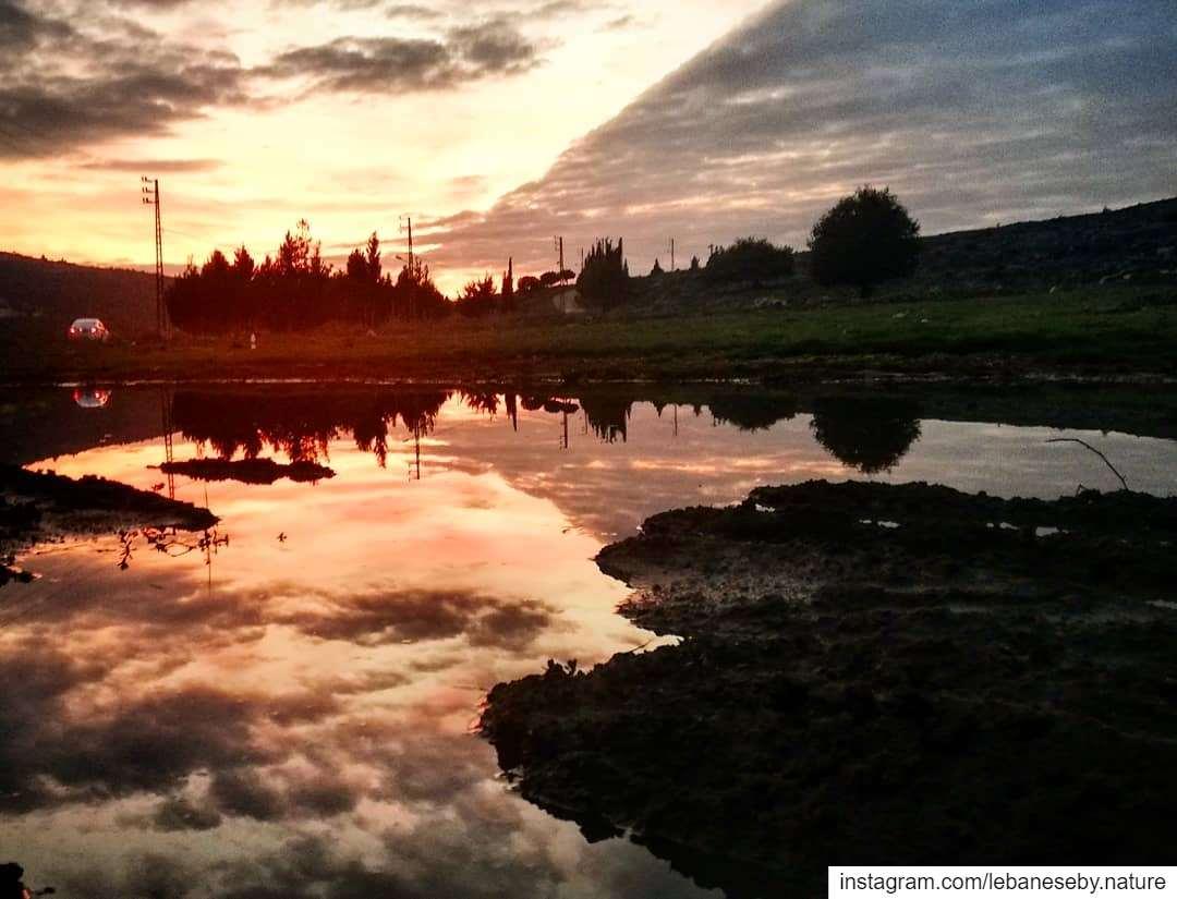 GoodEvening sunsetlovers.. sunsetcolors skyporn sunsetaddiction ... (Akkar)