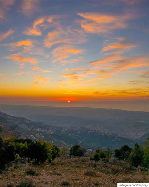 Don't lose hope.. When the sun goes down, the stars come out.. ============ (Jabal Sâfi)