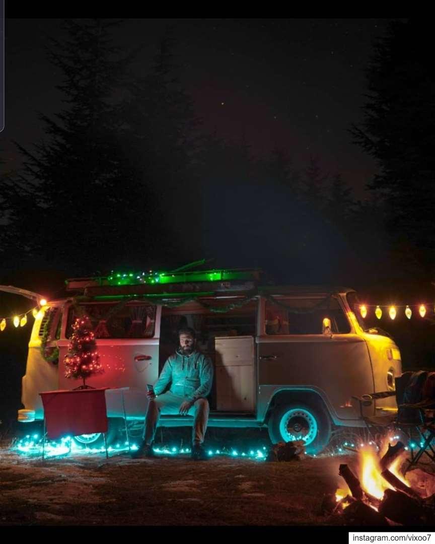 Merry & Bright Christmas 🎄🌟.... vanlife vanlifemovement ... (Christmas in Color)