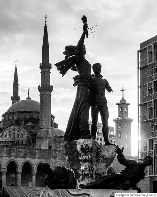 lebanon 🙏 🇱🇧 🖤 (Martyrs' Square, Beirut)