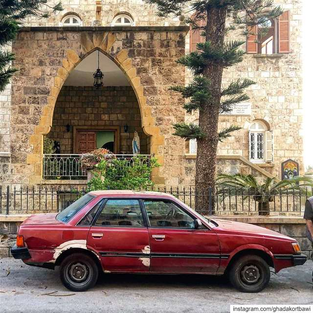 Bloody red Mary...... car  old  vintage  bloodyred  housefacade ... (Byblos - Jbeil)
