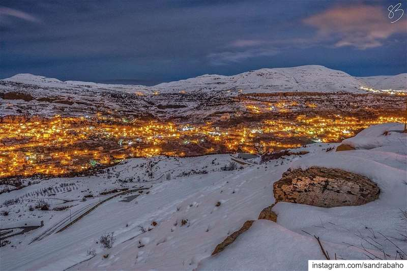 𝗟𝗲𝗮𝘃𝗲 𝘆𝗼𝘂𝗿 𝘄𝗼𝗿𝗿𝗶𝗲𝘀 𝗯𝗲𝗵𝗶𝗻𝗱 𝗮𝗻𝗱 𝗲𝗻𝗷𝗼𝘆 𝘆𝗼𝘂𝗿... (Kfardebian, Mont-Liban, Lebanon)