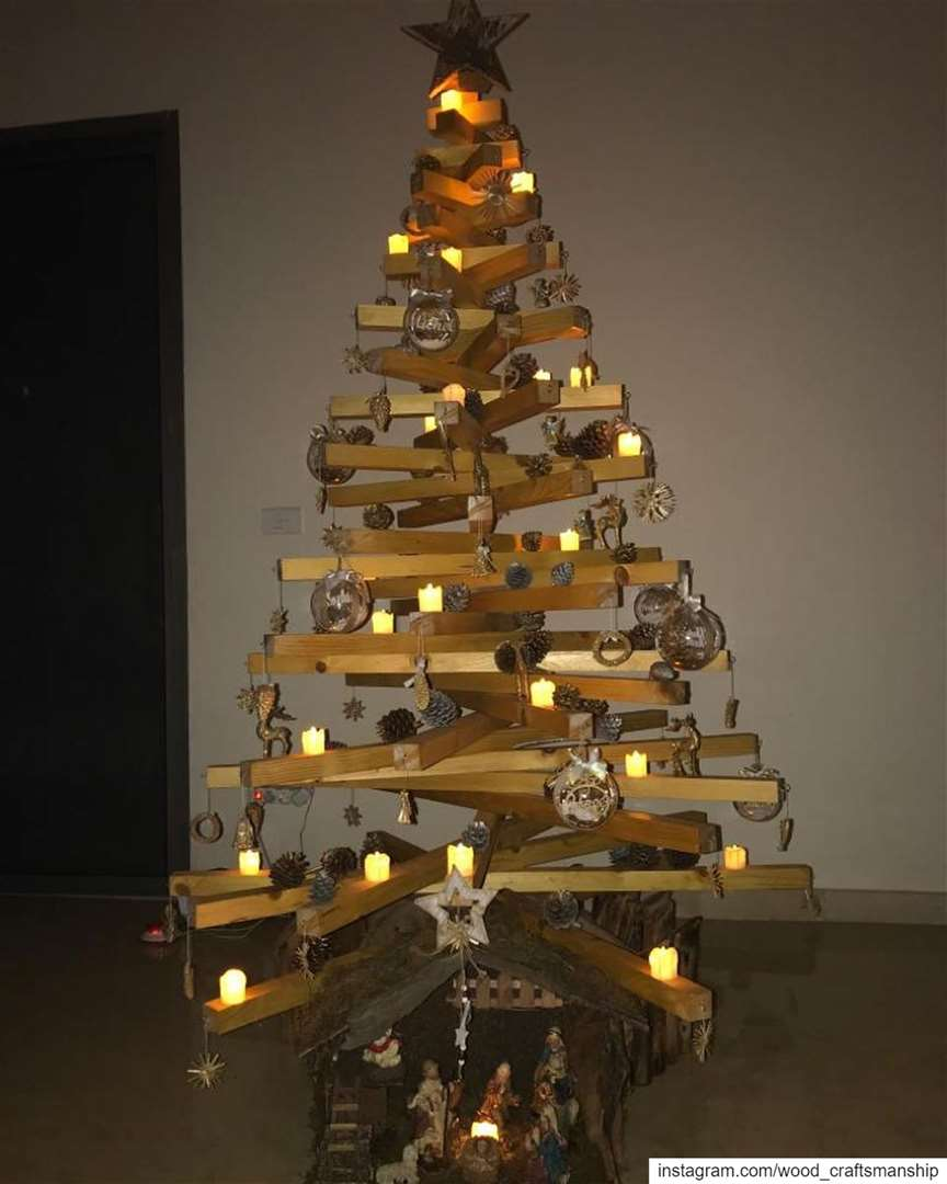 220x120 cm wood Christmas tree. Call us to know more about the pricing and...
