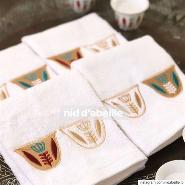Shaffe towel 🔸🔹 Write it on fabric by nid d'abeille  shaffe  towel ...