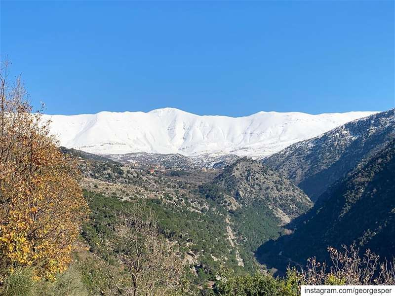 Good Morning Lebanon 🇱🇧..... livelovebeirut ig_lebanon ... (Baskinta, Lebanon)