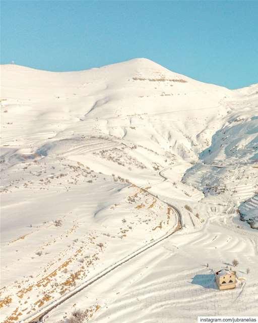 The White Path 🌬 (Hadath Al Jubbah, Liban-Nord, Lebanon)