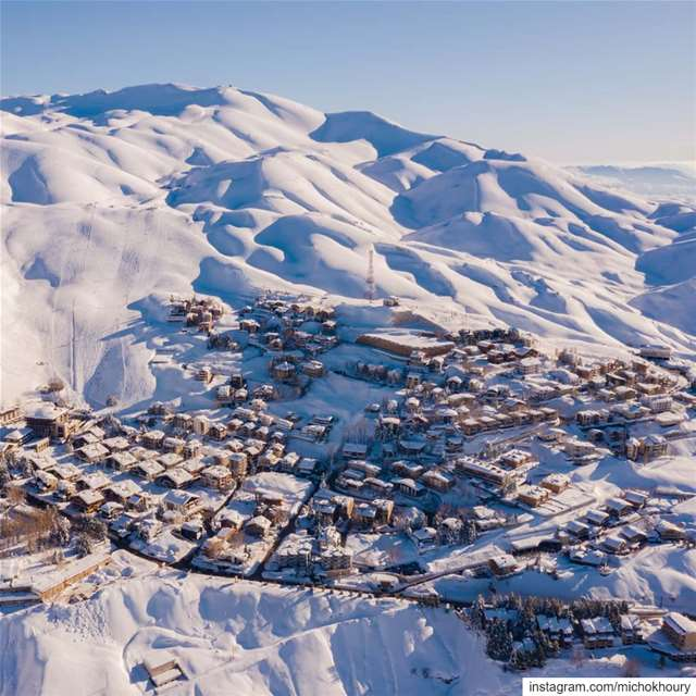 Close to Heaven, down to earth Lebanon.... AboveLebanon ... (Mzaar Kfardebian)
