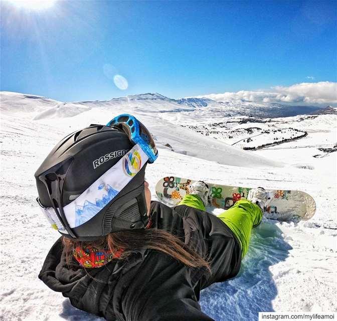 Sunny days☀️ ••••• MyLifeAMoi snowboard lebanon sport snow gopro... (Bcharre El Arez بشري الأرز)