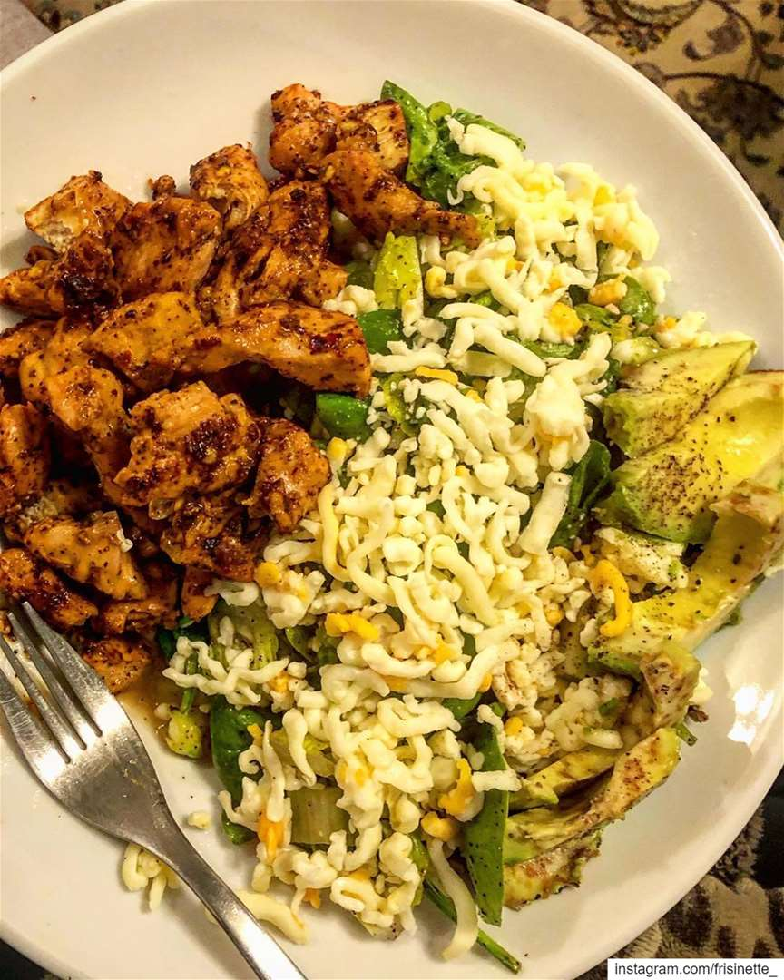 This is the best salad to eat after a workout 🏋🏼♀️🤤!Keto chicken... (Greater Montreal)
