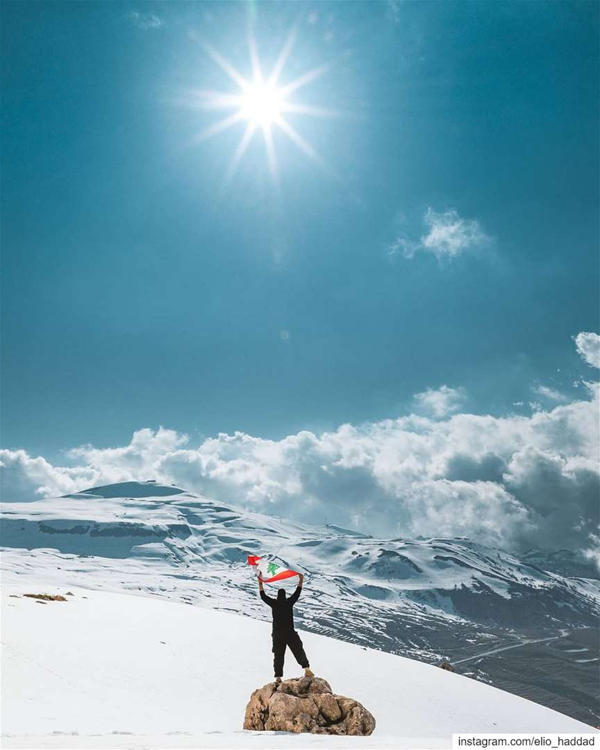 هون الحجر الصحّي أجمل 😷 Lebanon 🇱🇧 Snow Winter Above Mountains ...