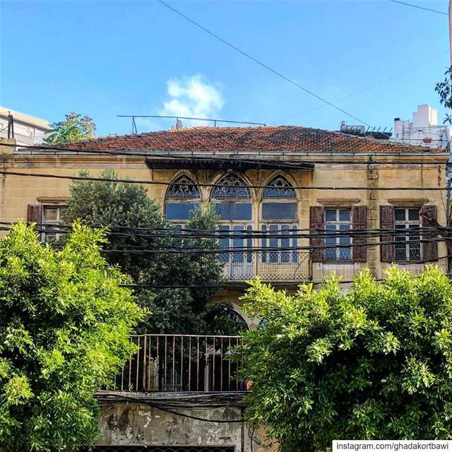 I see skies of blue..... traditional architecture vintage arches ... (Mar-mikhael, Beirut)