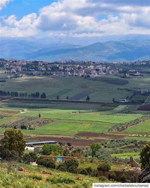 من القليعة لبلدة الخيام لجبل حرمون ♥️ lebanon livelovelebanon ... (El Qlaïaâ, Al Janub, Lebanon)