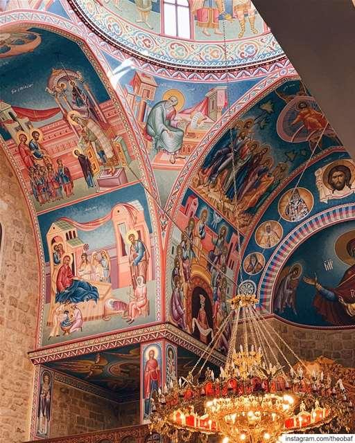 Καλή Ανάσταση και Καλό Πάσχα🙏🏻المسيح قام...حقاً قام... anfeh ... (Saint George Greek Orthodox Church Anfeh)