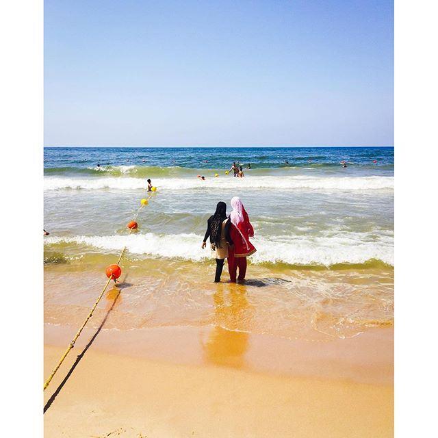 Sunday bathing at Ramlet-el-Bayda. Sabah el kheir Beirut 🌞☕️🇱🇧! (Ramlet Al Bayda Public Beach)