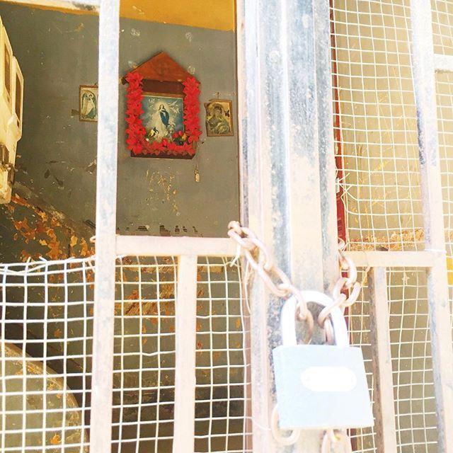 Imprisoned Virgin Mary ☁️. Good morning Beirut! ☀️☕️🇱🇧 (Mar Mikhael, Beirut)