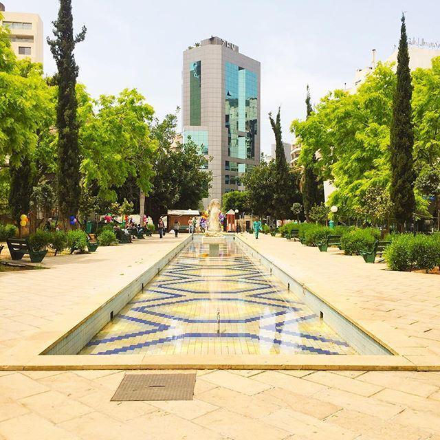 Our Central Park... 🌳🌴🌿 Saint Nicolas Garden 🍃 Have a great Sunday! 🇱🇧☀️ (Achrafieh, Lebanon)
