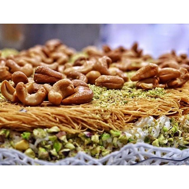 It's time for some oriental sweet after Iftar !!!! (Zahlé, Lebanon)