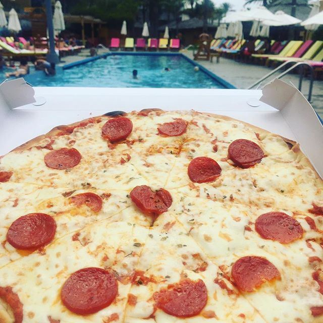 The pizza can fly @cyanbeach  (Cyan Beach Resort - Kaslik)