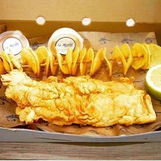 You can't go wrong with fish and chips @lemeroufishmarket (Le Merou Fish Market)